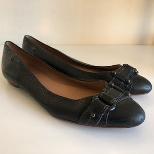 Banana republic black leather pointed bow toe flat